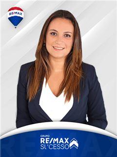 Cláudia Pinto - RE/MAX - Sucesso