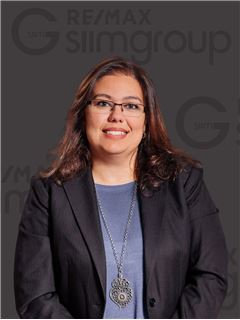 Office Staff - Catarina Ferreira - RE/MAX - Miraflores