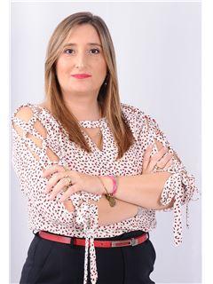 Carla Cabral - Diretora Comercial - RE/MAX - EsoReal Estate