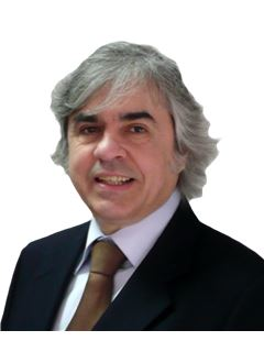 Associate in Training - José Henrique - RE/MAX - Pinheiro Manso