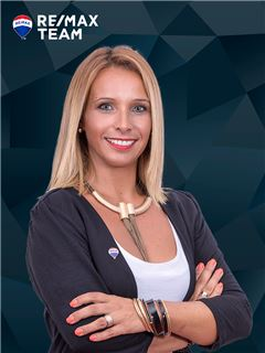 Clélia Gouveia - Membro de Equipa Elsa Almeida - RE/MAX - Team