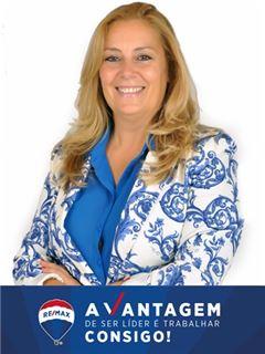 Alice Afonso - Chefe de Equipa Cortesia - RE/MAX - Vantagem Avenida