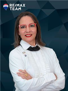 Fernanda Medeiros - RE/MAX - Team III
