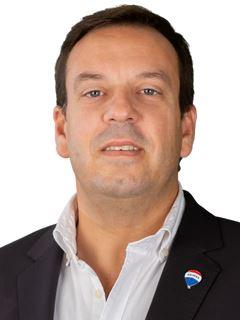 Carlos Guimarães - RE/MAX - White