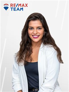 Office Staff - Patrícia Brás - RE/MAX - Team III