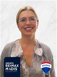 Svetlana Shvechikhina - Membro de Equipa Rui de Brito - RE/MAX - Madis