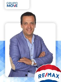 Óscar Pereira - Chefe de Equipa Óscar Pereira - RE/MAX - Move