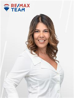 Giana Caproni - RE/MAX - Team