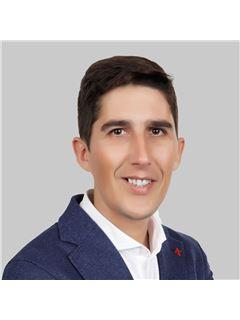 João Duarte - Membro de Equipa Pedro e Elena - RE/MAX - Forever
