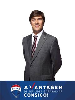 Tiago Bello - RE/MAX - Vantagem Central