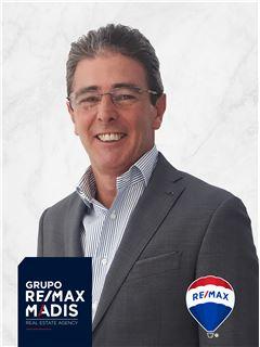 Miguel Cravo - Membro de Equipa Mário Pereira - RE/MAX - Madis