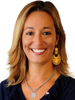 Maria Lamares - RE/MAX - Rapid
