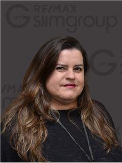 Cíntia Teixeira - RE/MAX - Capital