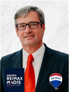 Rui de Brito - Chefe de Equipa Rui de Brito - RE/MAX - Madis