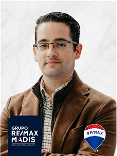José Tomáz - Membro de Equipa Mário Pereira - RE/MAX - Madis
