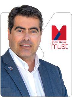 Nuno Pinheiro - RE/MAX - Must II