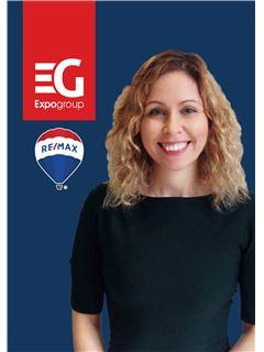 Office Staff - Leonor David - RE/MAX - Expo II