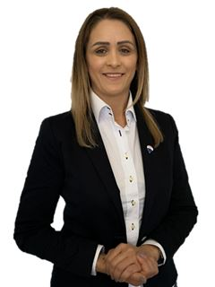 Carmen Scheffler - RE/MAX - Prata