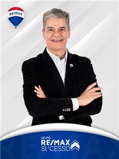 Marcelo Bueno - RE/MAX - Sucesso V