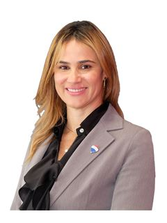 Clélia Vasconcelos - RE/MAX - Pinheiro Manso