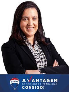 Office Staff - Sara Ferreira - RE/MAX - Vantagem Gaya