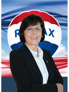 Clarinda Barros - RE/MAX - Plaza
