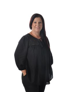 Office Staff - Helena Almeida - RE/MAX - Aliance