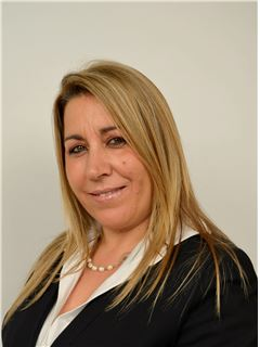 Irene Vieira - Chefe de Equipa Irene Vieira - RE/MAX - Albufeira Smart