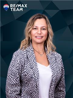 Teresa Calderón - RE/MAX - Team