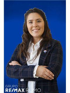 Mariana Pombo - Assistente de Marketing - RE/MAX - Rumo III