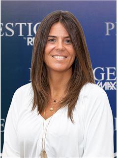 Marta Almeida - Membro de Equipa Helena Guimarães - RE/MAX - Prestige