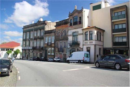 Rua Costa Gomes