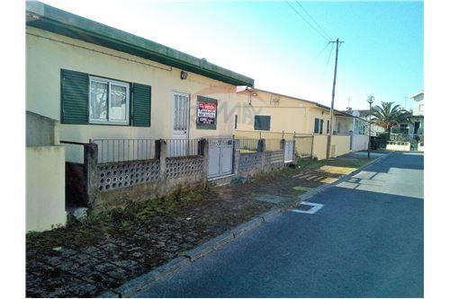 Moradia t2 venda lordelo vila real 124371011 54 for Horario piscina vila real