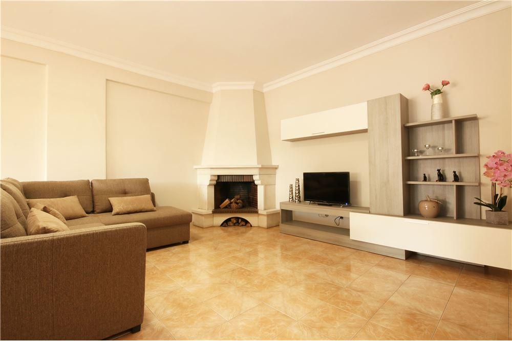 89 SqM: Apartment For Sale, 2 Bedrooms located at Quinta do Barão -  Carcavelos e Parede, Cascais | Portugal