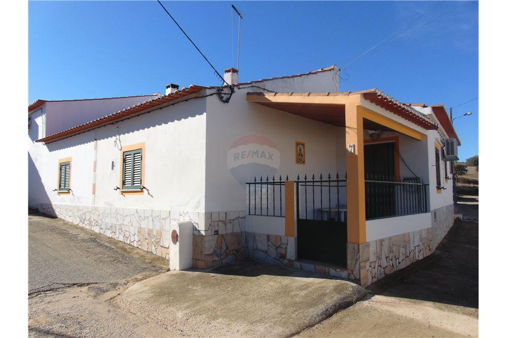 sports shoes d903f f30aa 76 SqM House For Sale, 1 Bedrooms located at Corte do Pinto, Mertola    Portugal