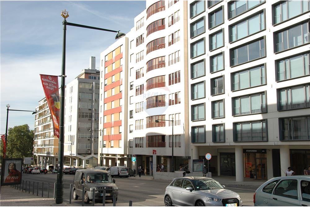 bbae6f5b71f0 Apartamento - T3 - Arrendamento - Avenidas Novas, Lisboa - 1 - 122181305-56