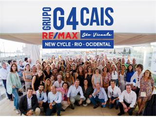 Office of RE/MAX - G4 Cais - São Vicente