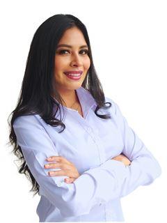 Valeria Norah Ovando Gonzales - RE/MAX Norte Equipetrol
