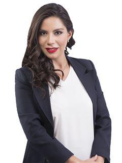 Valeria Rojas Balanza - RE/MAX Emporio Corporación 1