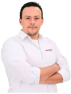 Alfonso Javier Aranibar Fernandez - RE/MAX Apoyo