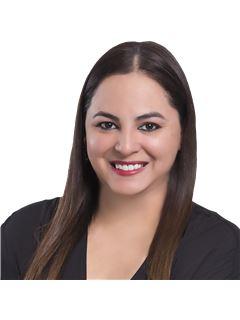 Claudia Fabiana Pinto Arriaza - RE/MAX Emporio Corporación 1