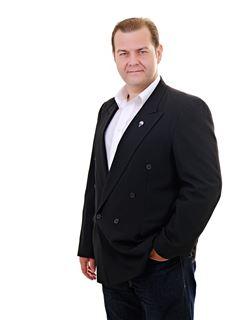 Freddy Ronald Saucedo Subirana - RE/MAX Emporio Corporación 1