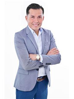 Reyes Alberto Ortiz Castro - RE/MAX Emporio Corporación 1