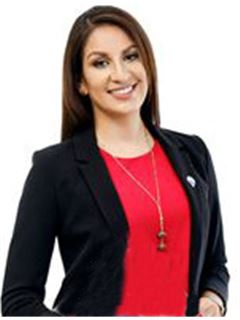 Veronica Alexandra Delgado Soria - RE/MAX Emporio Corporación 1