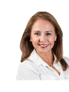 Rosa Elena del Carmen Araoz Tavolara - RE/MAX Norte Equipetrol