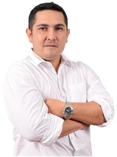Jose Luis Mendez Justiniano - RE/MAX Total Equipetrol