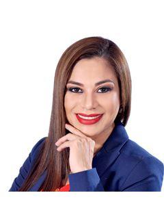 Karen Vaca Argandoña - RE/MAX Corporación Inmobiliaria 2
