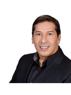 Julio Cesar Castañon Villarpando - RE/MAX Norte Equipetrol