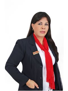 Yubenka Evelin Arenas Arteaga - RE/MAX Norte Metropoly