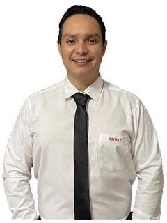 Roberto Darwin Zambrana Montenegro - RE/MAX Total Equipetrol